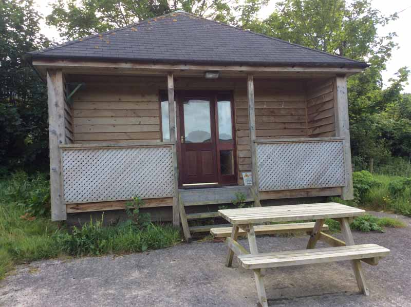 FOR SALE – FISHING HUT